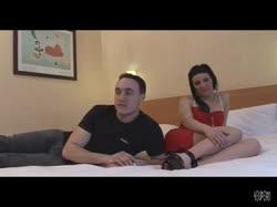 Скриншот Парень привез пьяную девку в отель и снял с ней любительское порно