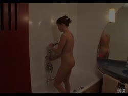 Скриншот Красивая молодка подмылась и устроила с другом красивое порно